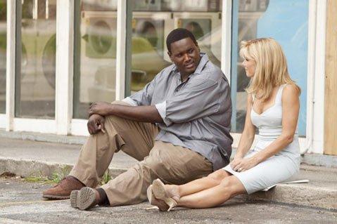 Sandra Bullock with Quinton Aaron in <em>The Blind Side</em>