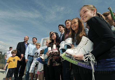 A group photo with Luc Robitaille at the site of the proposed ice rink in Goleta Mar. 5, 2010