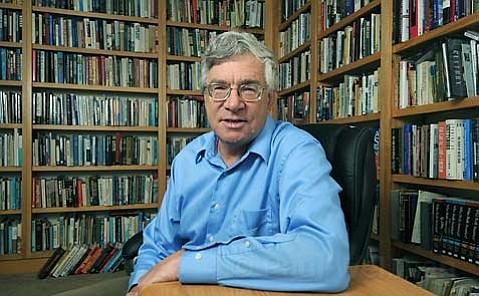 UCSB professor Dr. Nelson Lichtenstein
