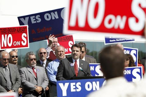 <strong>JUDICIAL BACKUP:</strong>  Sheriff Bill Brown took his road show on behalf of Measure S—the new jail tax—into the eye of his political opposition. Joining him were Judge Frank Ochoa (to Brown's immediate left) and Judge Rogelio Flores (to Ochoa's left).
