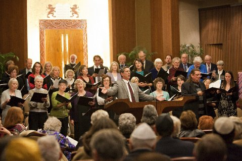 Cantor Mark Childs leads the Unitarian Society of Santa Barbara and the Congregation B'nai B'rith in song