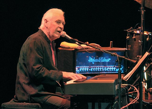 Gary Brooker leads killer night of prog rock.