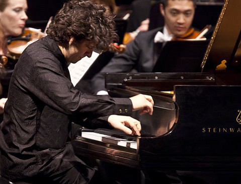 Sergio Tiempo was the soloist for Tchaikovsky's <em>Piano Concerto No. 1 in B-flat Minor, Op. 23</em>.