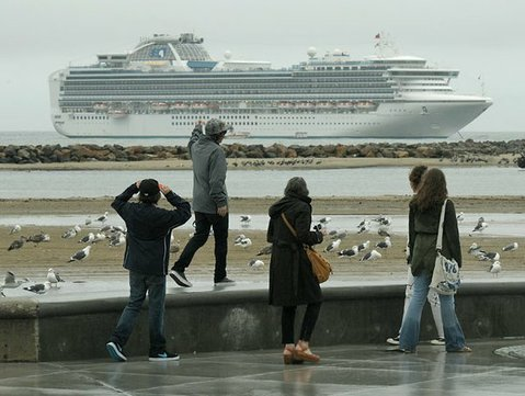 A Sapphire Princess cruise ship drops anchor for the day off the coast of Santa Barbara (Dec. 19, 2010).