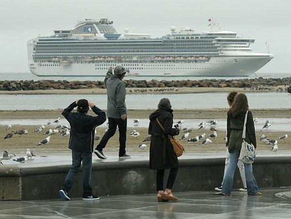 A Sapphire Princess cruise ship drops anchor for the day off the coast of Santa Barbara (Dec. 19, 2010).