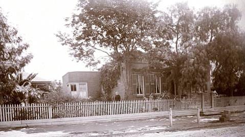 Cota-Knox building, 914 Anacapa Street, 1896.