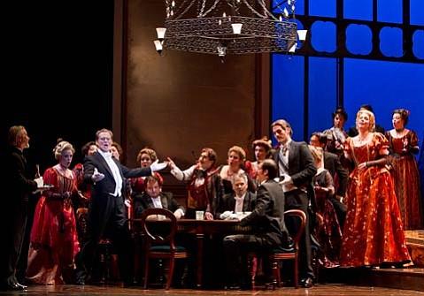 <em>La Traviata</em> at the Granada