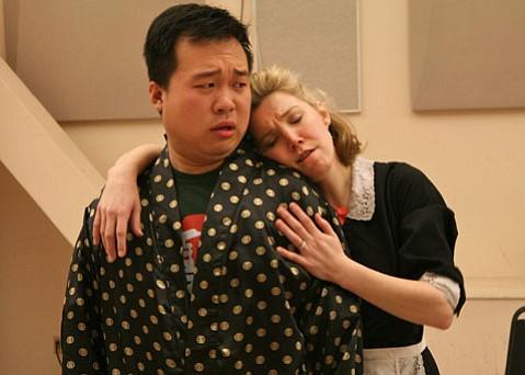 Ao Li as Uberto and Susannah Biller as Serpina in Pergolesi's <em>La serva padrona</em>.