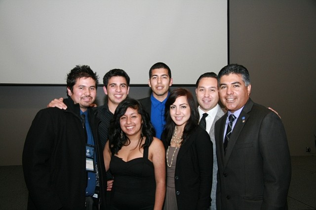 Los Angeles City Councilman Tony Cardenas (far right) with members of UCSB's Los Ingenieros chapter