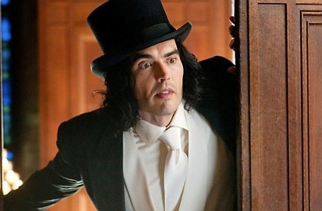 Russell Brand takes on the role made famous by Dudley Moore in Jason Winer's remake of <em>Arthur</em>.