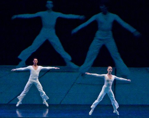 After 32 years, Lucinda Childs's minimalist masterpiece <em>Dance</em> still has the power to shock.