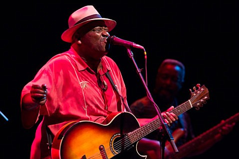 Taj Mahal sung loud and carried a mean banjo at last Thursday's show.