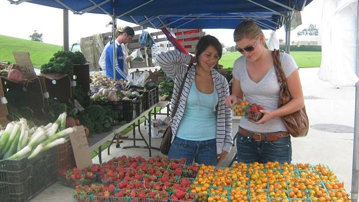 Farmers Market at Santa Barbara Community College