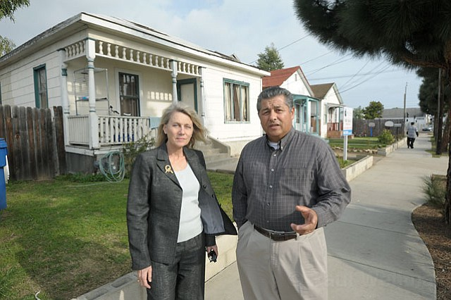 <strong>SHORTCHANGED?:</strong>  Santa Barbara's Redevelopment Agency gave Peoples' Self-Help Housing $2 million to buy this property by Salsipuedes and Haley streets — shown with Rochelle Rose and Carlos Jimenez. But without another infusion of Redevelopment Agency cash, no affordable housing units will ever get built.