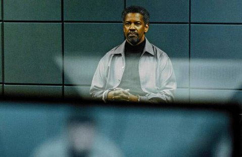 Denzel Washington brings his signature brand of cool to the rickety CIA thriller <em>Safe House</em>.