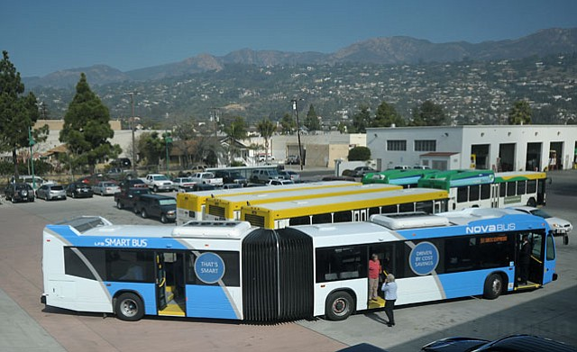 MTD shows off a new articulating bus it hopes to incorporate on routes that need the extra rider capacity (Feb. 27, 2012)