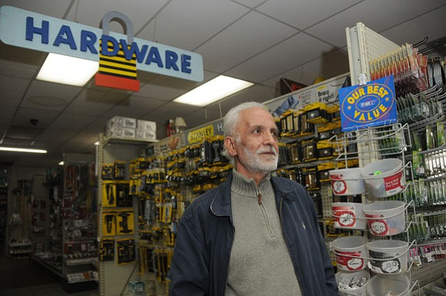 Mohammad Hormozfar, owner of San Andres Hardware (March 21, 2009)