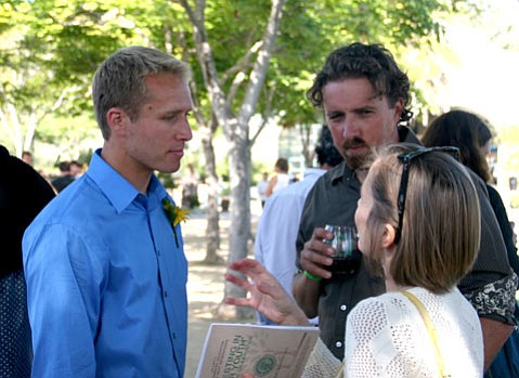 EENG Founder and Executive Director Ryland King (left) talks with LoaTree Co-Founder and Executive Director Dave Forston (right)