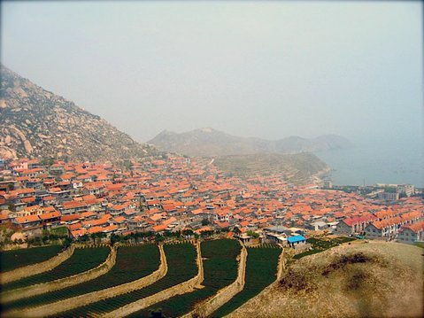 With all the red-tiled roofs, you can see why Qingdao is considered the Santa Barbara of China.