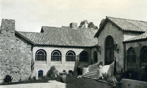 Graholm, formerly the estate of David Gray, became the home of Brooks Institute of Photography in 1952.