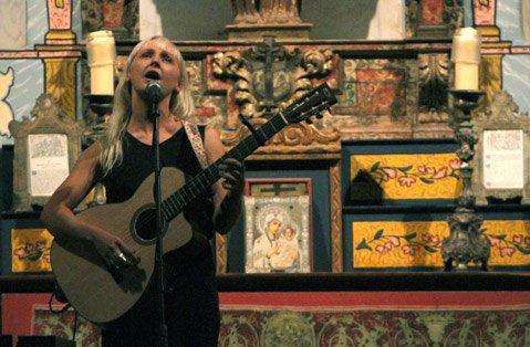 Laura Marling at El Presidio Chapel