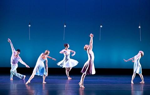 UCSB Undergrads Present <em>Summerdances</em>