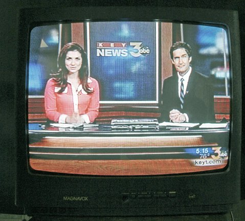 KEYT anchors Shirin Rajee and Joe Gehl read the 5 o'clock news (August 17, 2012)