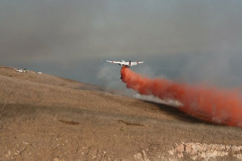 County air unit responds to 10-acre grass fire near Refugio Canyon