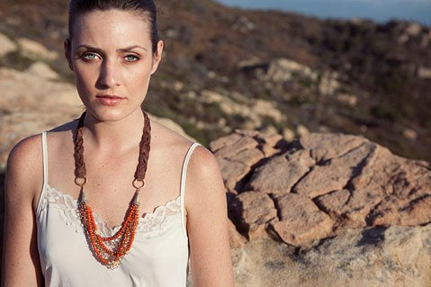 Adesso, a successful handmade-jewelry business based in Santa Barbara, opens its first retail store.