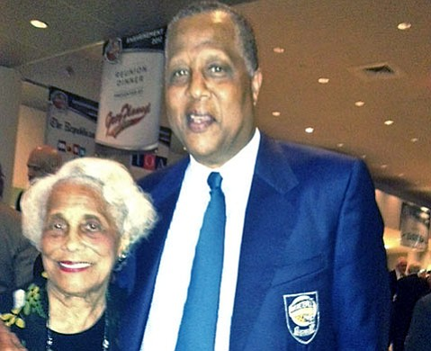 Thelma Wilkes makes the scene with her son Jamaal Wilkes before his induction into the Naismith Memorial Basketball Hall of Fame.