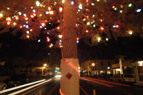 SoCal Edison relents and agrees to pay for costs of erecting holiday tradition on State Street.