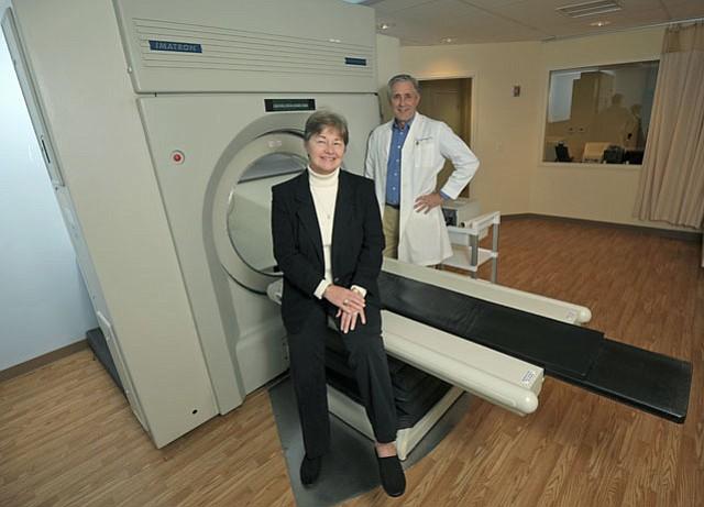 HealthWave's Drs. Michael Eades and Mary Dan Eades.
