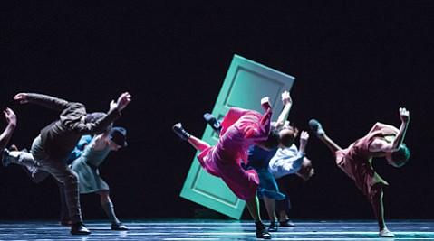 Hubbard Street Dance Chicago's winter-season rehearsal for Mats Ek's Casi Casa at the Harris Theater.