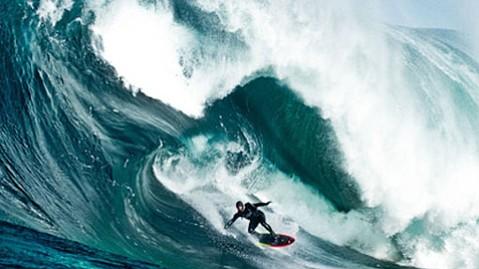 <em>Storm Surfers 3D</em>