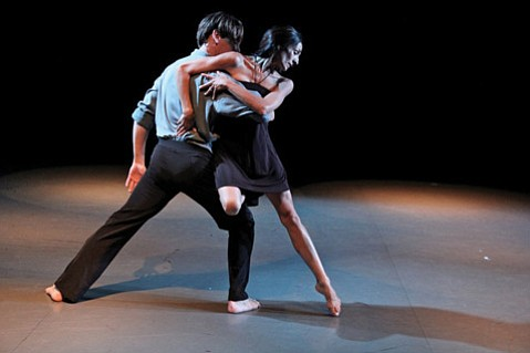 Tracy Kofford (left) and Christina Sanchez of Santa Barbara Dance Theater.