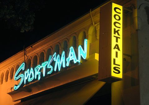 The Sportsman Lounge (20 W. Figueroa)