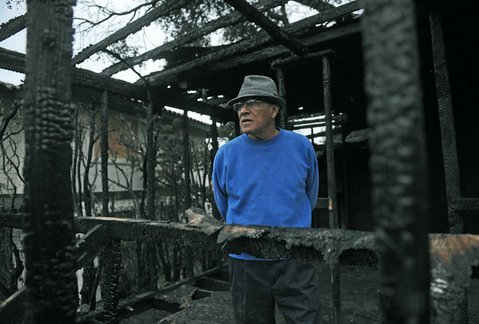 An Eastside blaze destroyed so many highlights in the career of artist Manuel Unzueta.