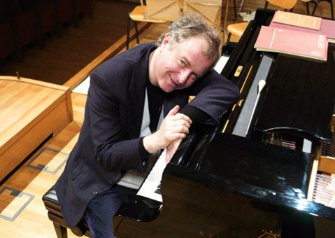 András Schiff's international reputation as an interpreter of Bach's music for the piano is unsurpassed.
