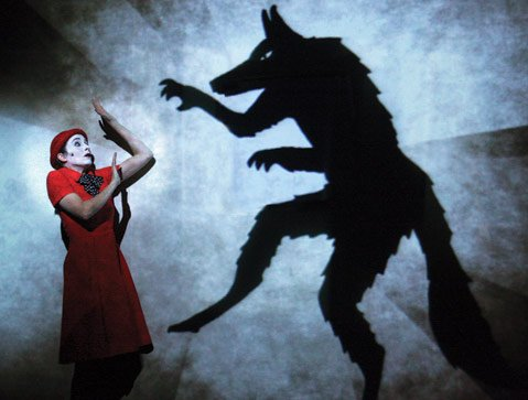 Expect otherworldly shadow effects when theater company 1927 arrives at UCSB on Thursday, April 25.