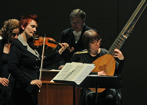 Led by violinist Aisslinn Nosky, the Handel and Haydn Society brought new life to Vivaldi and other Italian composers.