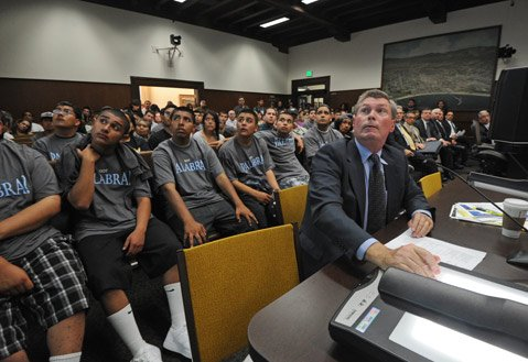 <b>TOUGH SALE:</b>  What City Attorney Steve Wiley was selling regarding the merits of the proposed gang injunction, none of the people packing the City Council chambers were buying.