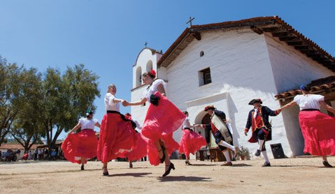 <b>UN PASEO EN ORO:</b>  The S.B. Trust for Historic Preservation will bring history to life this Saturday, May 18, at their 50th-anniversary celebration in El Paseo.