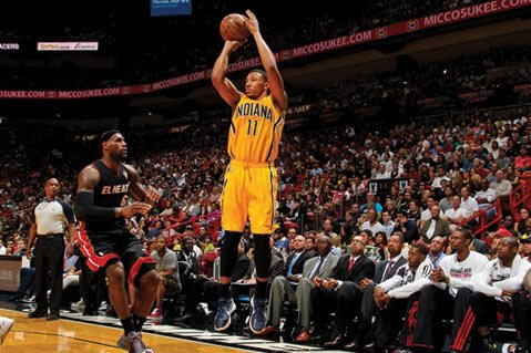 <b>JUMP SHOT:</b> Indian Pacer Orlando Jones (right) aims for the net during a regular season game against LeBron James (left) and the Miami Heat.