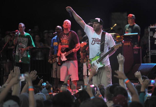 Slightly Stoopid at the Bowl (July 14, 2013)