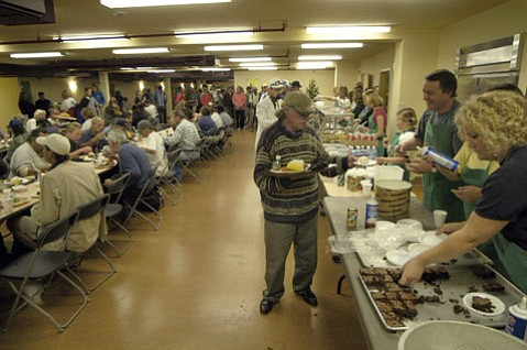 <b>NO FREE LUNCH: </b> Because of chronic budget woes, the Casa Esperanza homeless shelter will have to cut the free lunch program for anyone other than shelter residents. About 120 people a day could be affected.