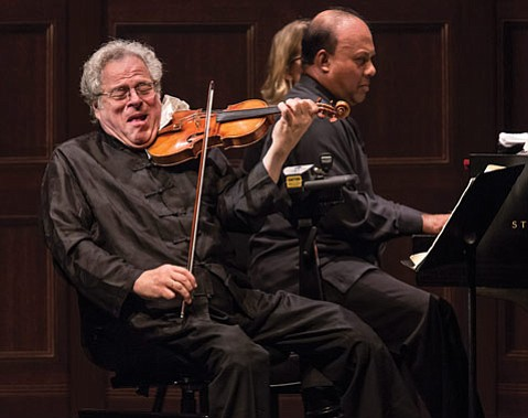 <b>MODERN MASTERS:</b>  Itzhak Perlman (left) and Rohan de Silva were in full musical flight at the Granada.