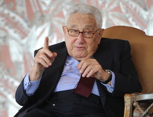 Henry Kissinger speaks at the Coral Casino
