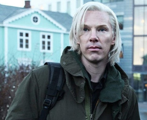 Bill Condon's new film flounders in its attempt to shine some light on the dark world of WikiLeaks.