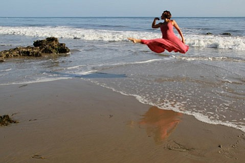 <i>Anemone Ball</i> at Shoreline Beach