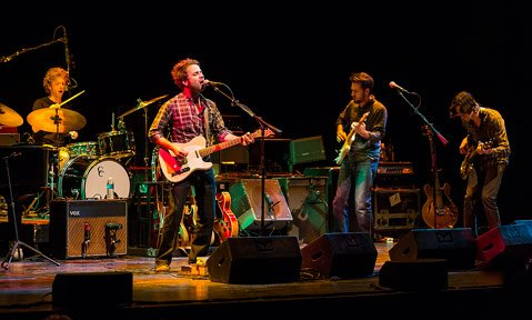 <b>GOOD OL' ROCK 'N' ROLL:</b> On Wednesday, Dawes' '70s-indebted folk-rock sound got treated with a touch of jazz and some seriously fancy fretwork.